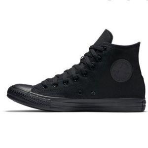 High Top black Converse Size 7